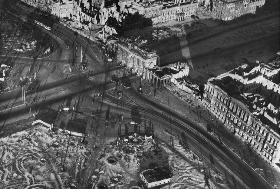 Hein Gorny, Brandenburger Tor, 1945-46